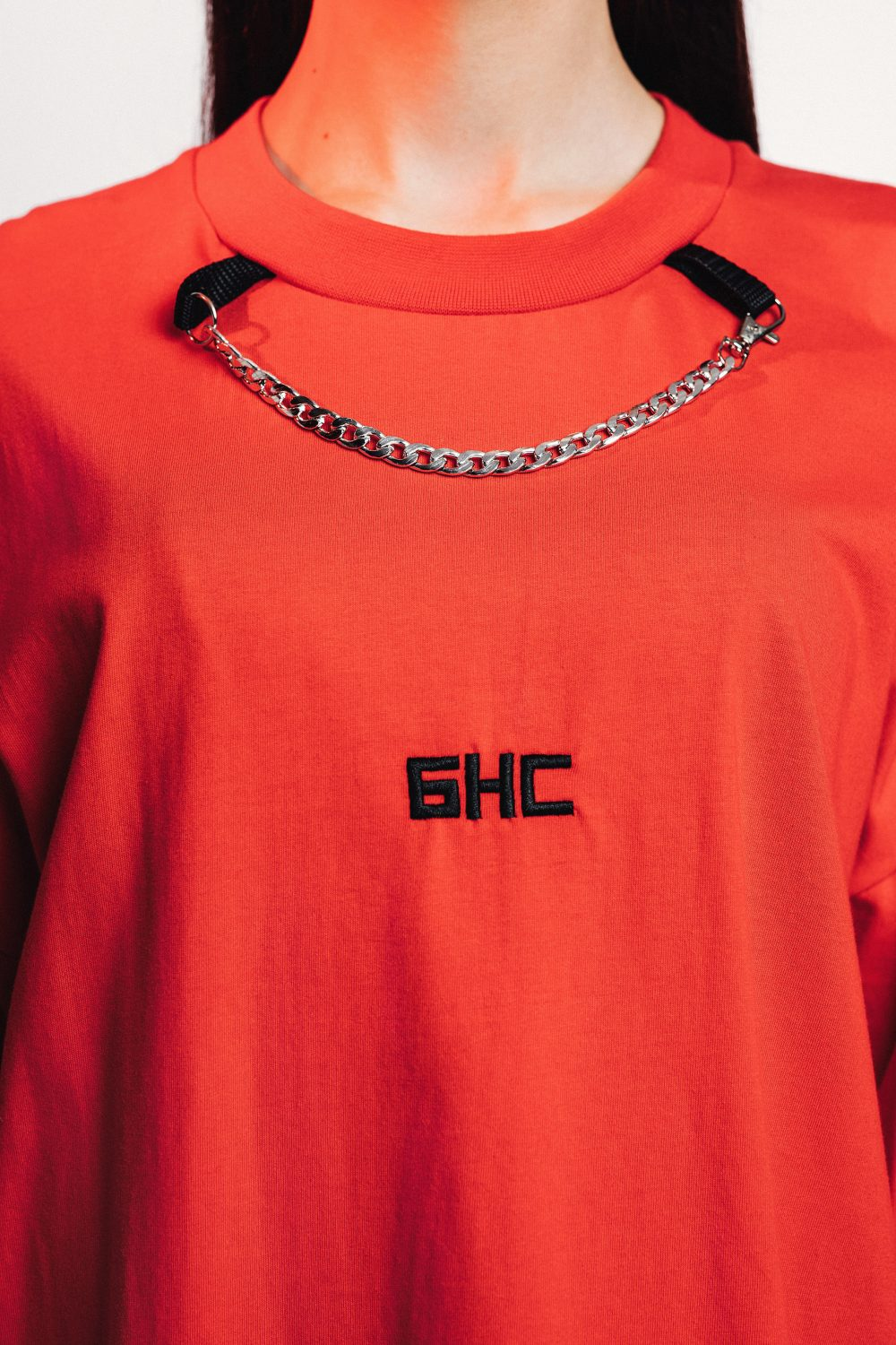 NECKLACE TEE RED