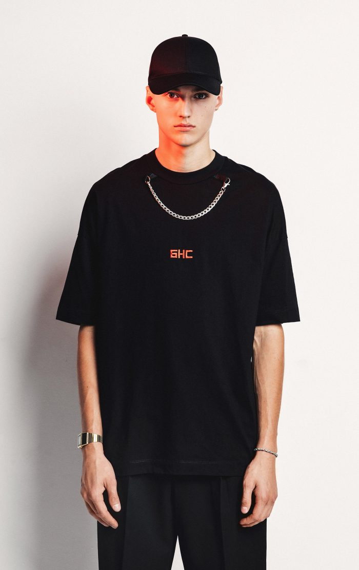 NECKLACE TEE BLACK